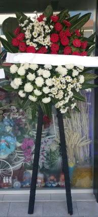 Cenaze çiçeği cenaze çiçek modelleri  Konya güvenli kaliteli hızlı çiçek