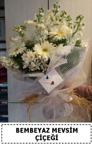Bembeyaz görsel mevsim çiçek buketi  Konya uluslararası çiçek gönderme
