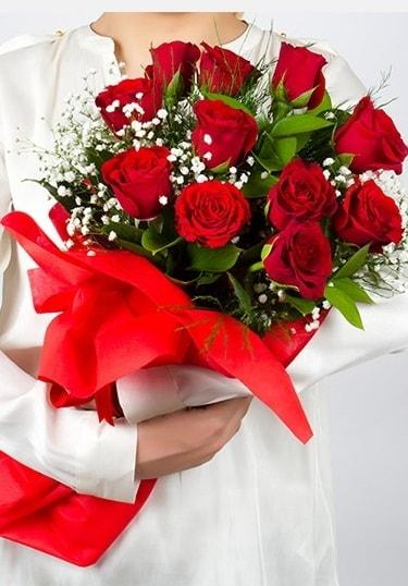 Aşk Gülleri 11 Adet kırmızı gül buketi  Konya anneler günü çiçek yolla