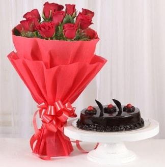 10 Adet kırmızı gül ve 4 kişilik yaş pasta  Konya yurtiçi ve yurtdışı çiçek siparişi