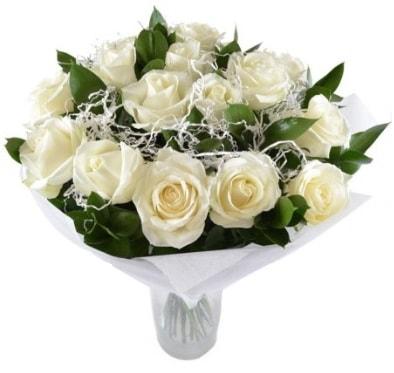 15 beyaz gül buketi sade aşk  Konya hediye sevgilime hediye çiçek